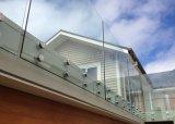 Het moderne Systeem van de Balustrade van Frameless van het Ontwerp voor het Traliewerk van het Balkon