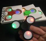 2017 새로운 디자인 3 점 Ninja 다채로운 Strss는 LED 빛을%s 가진 싱숭생숭함 방적공을 감소시킨다