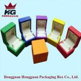 Caixa de madeira colorida para a jóia