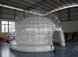 Ar inflável selado iluminando a abóbada do Igloo