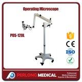 Microscópio portátil do funcionamento do equipamento médico