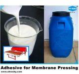Uso de máquina de prensa de membrana com adesivo à base de água para pressionamento de membrana