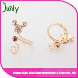 El último anillo de dedo de lujo del oro diseña el anillo de la joyería