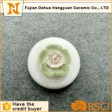 Bouteille de parfum en céramique glacée blanche avec le chapeau de fleur à vendre