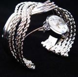 Relógio Catenary do bracelete da alta qualidade da mão de 2017 mulheres da forma