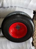 스포크 색깔과 변죽 (18*8.50-8)를 가진 단단한 PU 바퀴