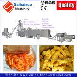 Le maïs de Cheetos enroule la chaîne de production faisant la machine