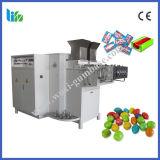 높은 기술 센터 채워진 사탕 기계