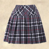 Uniforme atractivo adulto hermoso plisado uniforme escolar atractivo de la muchacha de la escuela de la falda de la chica joven y de la camisa del cordón