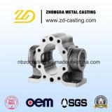 O CNC que faz à máquina com alumínio morre perto a carcaça para as peças