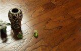 Естественное сопротивление к полу твердой древесины деформации предназначенный для многих игроков