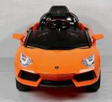 リモート・コントロール2.4Gの車の子供の乗車