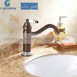 Robinet simple antique de taraud de bassin de traitement pour la salle de bains