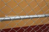 O MERGULHO quente galvanizou a cerca da construção da ligação Chain usada em nós & em Canadá