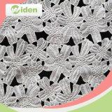 De melkachtige Stof van het Kant van het Ontwerp van het Patroon van het Net van de Polyester Bloemen Chemische