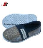Zapatos ocasionales de la inyección de lona de los niños respirables de los zapatos