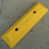 Parada plástica amarilla o plástica del estacionamiento del coche del tapón de la rueda