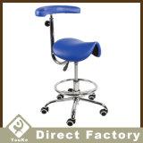 Krankenhaus-Geräten-Sattel-zahnmedizinischer Stuhl mit den 360 Grad-Rädern