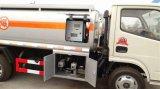 Dongfeng carro de petrolero del combustible de 4500 litros 5 toneladas de petróleo de carro del tanque