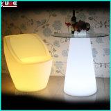 Table illuminée avec dessus en verre