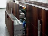 良質の木の台所食器棚