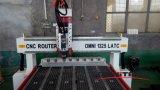 Маршрутизатор CNC машины оси шпинделя 4 изменения инструмента автомобиля Omni 1325 деревянный работая