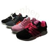 Pattini della scarpa da tennis delle donne popolari di nuova vendita