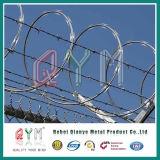 Загородка колючей проволоки бритвы обеспеченностью Concertina Анти--Взбирается загородка тюрьмы провода бритвы
