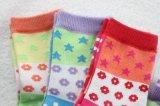 Calzini del cotone del Terry dei bambini per l'inverno