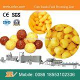 Casse-croûte soufflés de maïs faisant la machine