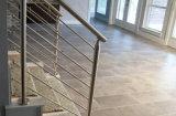 목제 손잡이지주를 가진 현대 스테인리스 계단 난간