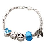La chaîne de serpent avec le symbole de paix d'argent de coeur signe les bracelets argentés d'oiseau
