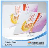 Negócio que visita chamando o cartão de crédito impresso plástico
