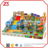 Equipo del parque de atracciones y patio de interior de los niños
