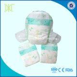 Pannolini belli sonnolenti a gettare del bambino di buona qualità della Cina
