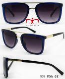 Óculos de sol plásticos de vinda novos com decoração do metal (WSP705851)