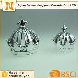 De zilveren Houder van de Kaars van de Kroon van het Gouden Plateren Ceramische