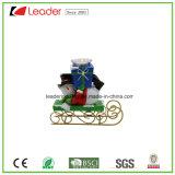 Estátua decorativa de Polyresin Santa do Natal com uma árvore para a decoração Home