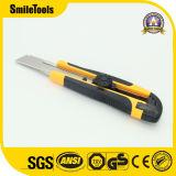 安全カッターが付いている容易な切口18mmの実用的なナイフ