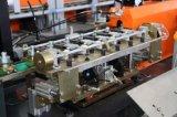 Mineralwasser-Flasche, die Maschine herstellend durchbrennt