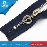 Venta directa de la fábrica Tamaño Aduana Arco iris Dientes Metal Zipper