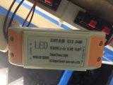 Embutir la MAZORCA ajustable rotativa LED Downlighting de Dimmable 30W del techo