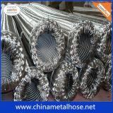 Les solides solubles Metal le boyau ridé de boyau flexible avec la couche de tresse