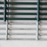 La polvere ha ricoperto l'alta obbligazione 358 Anti-Arrampica la rete fissa della rete metallica