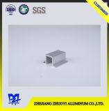 Sesenta y nueve perfiles a del aluminio