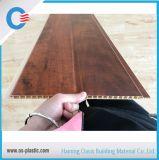 Techo laminado surco plano del PVC del panel de pared del PVC del material de construcción para la decoración de interior