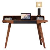 Secretária de madeira em madeira do computador de madeira