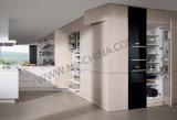 Mobília estratificada moderna do gabinete de cozinha