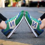 El deporte vendedor caliente de la manera calza los zapatos corrientes de los zapatos atléticos