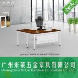 Heißer Verkauf L Form-moderner Büro-Schreibtisch mit dem Edelstahl-Bein